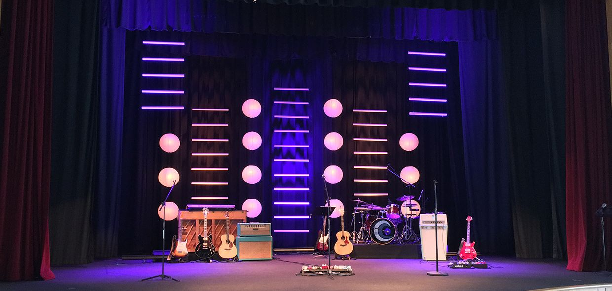 Church Stage Design Ideas Scenic Sets And Stage Design Ideas From Churches Around The Globe Church Stage Design Stage Lighting Design Stage Design