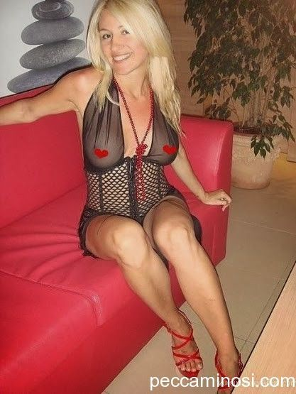 Hot local MILFs are online now and ready to text selfies, meet and hookup  tonight! Start MILF dating now, signup free in less than 2 minutes.