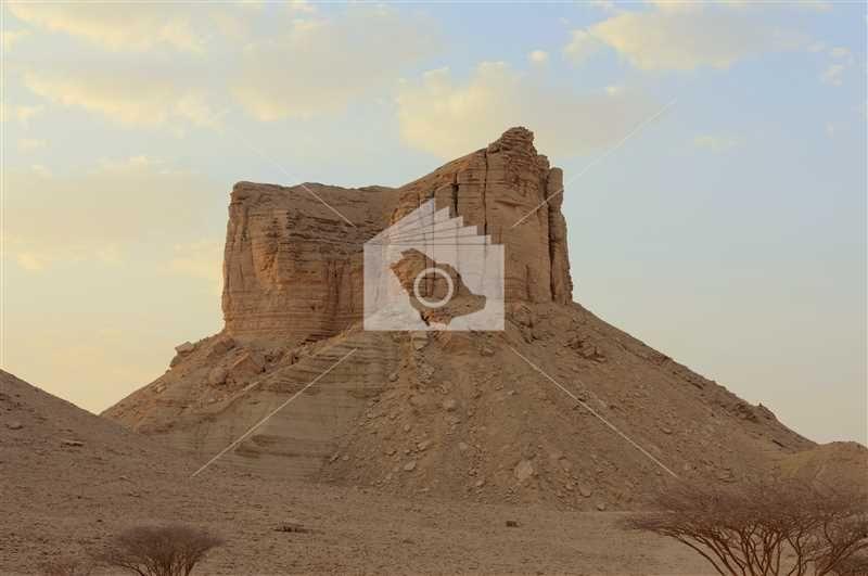 الوادي الخفي في جنوب منطقة الرياض Monument Valley Natural Landmarks Landmarks