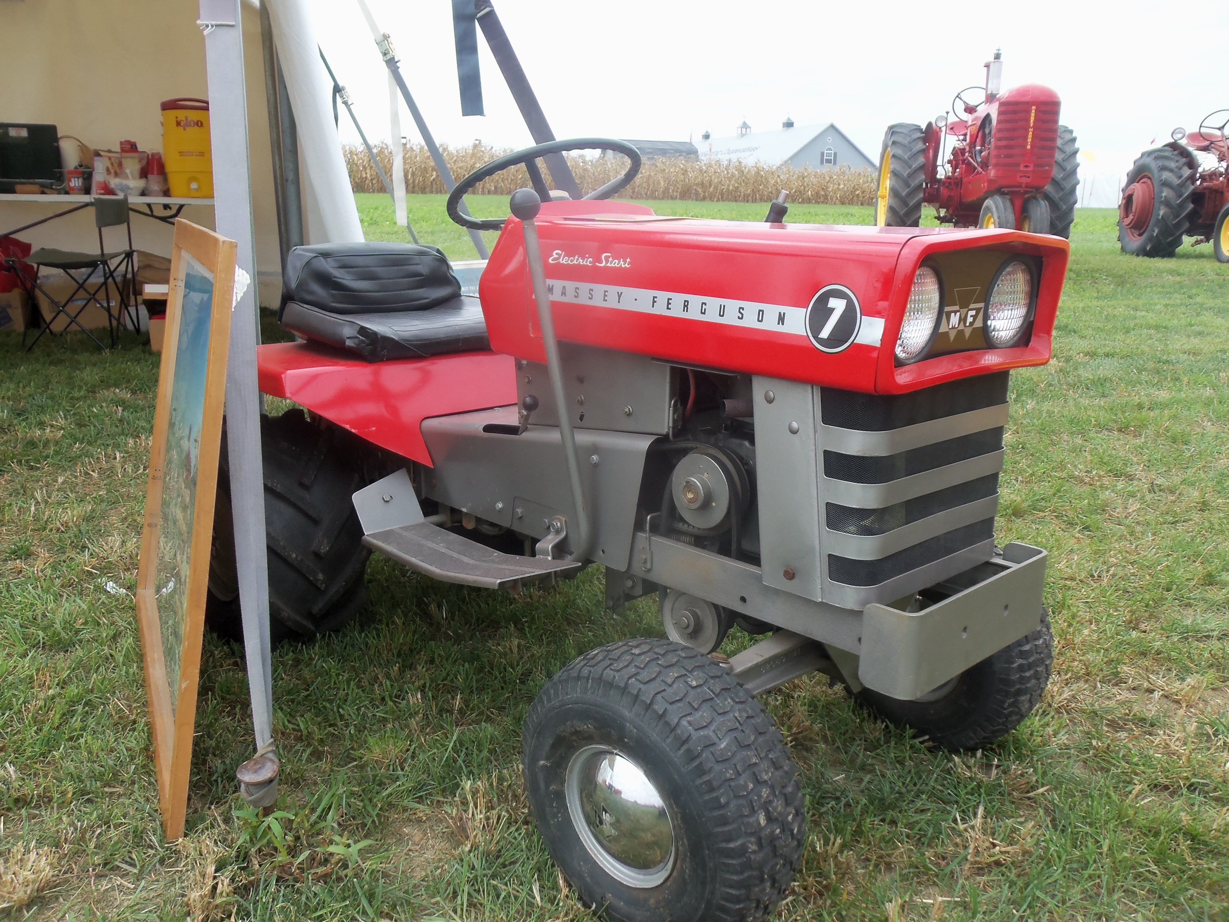 7 Hp Massey Ferguson Mf 7 Lawn Amp Garden Tractor Massey