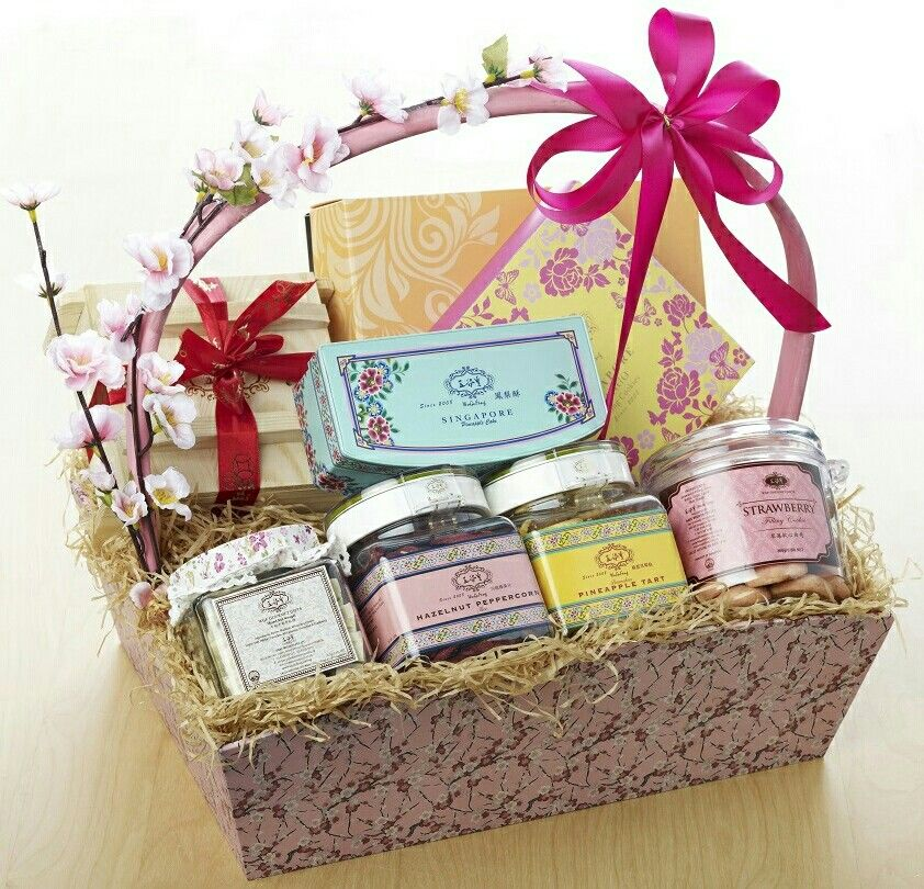 Wedding Gift Singapore: WuGuFeng GOURMET GIFTS 《五谷豐》有情有义 五谷丰收- 贺年礼篮 CNY HAMPERS