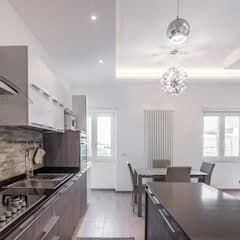 Photo of Cucina open space cucina minimalista di facile ristrutturare minimalista | homify