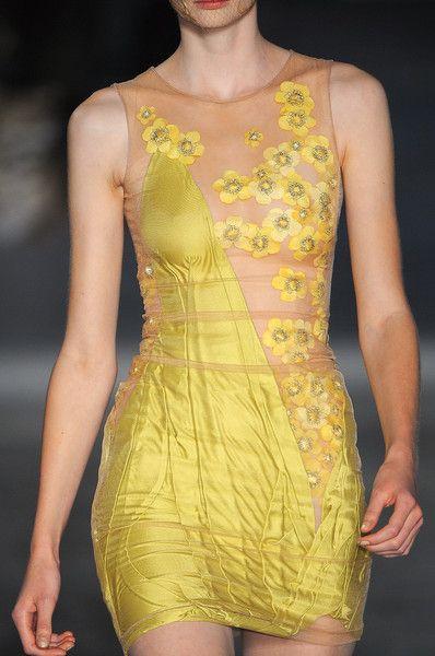 Alexander McQueen at Paris Spring 2009 (Details)