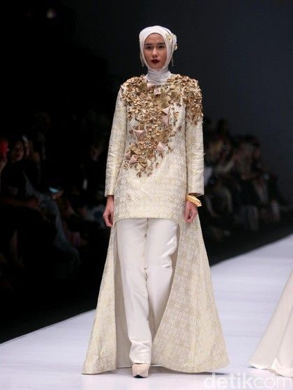 Baju Dian Pelangi 2017 : pelangi, Foto:, Koleksi, Pelangi, Jakarta, Fashion, Model, Pakaian,, Hijab,, Muslim