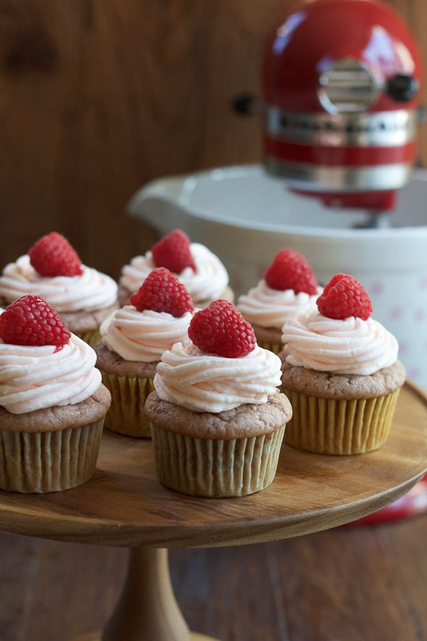Delicious Roasted Raspberry Cinnamon Cupcakes! The depth of flavor and hint of cinnamon is amazing! You've got to try these cupcakes! And enter to win a Raspberry Ice Stand Mixer from KitchenAid! #10000cupcakes #cookforthecure