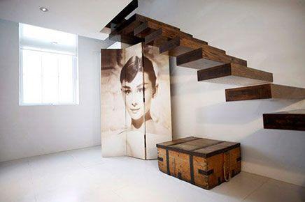 De zwevende trap interieur