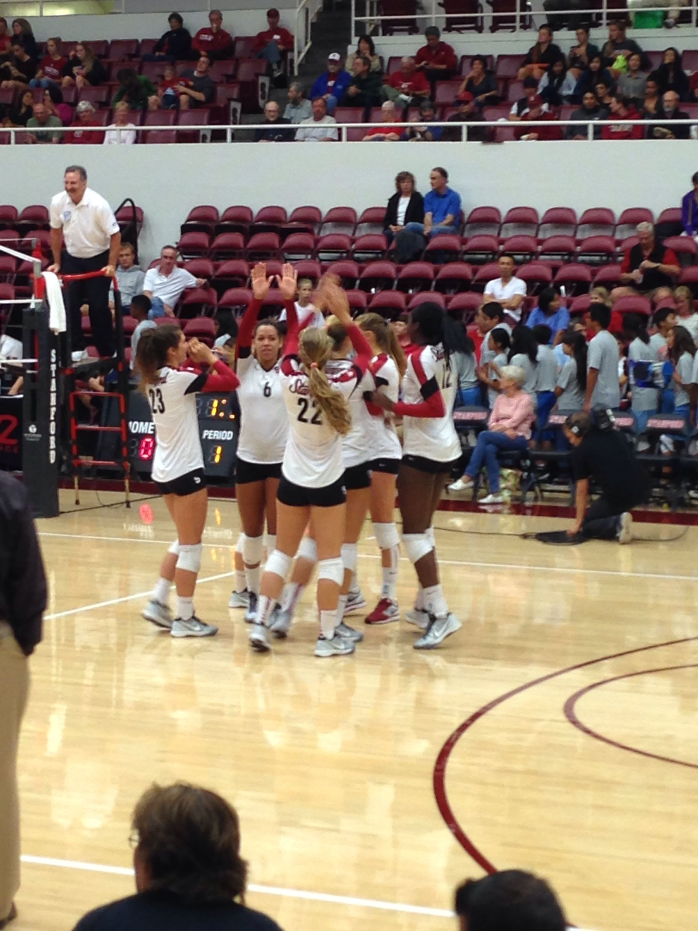 Stanford Women S Volleyball On Their Way To A Victory Over St Mary S 9 20 13 Women Volleyball Volleyball Sports