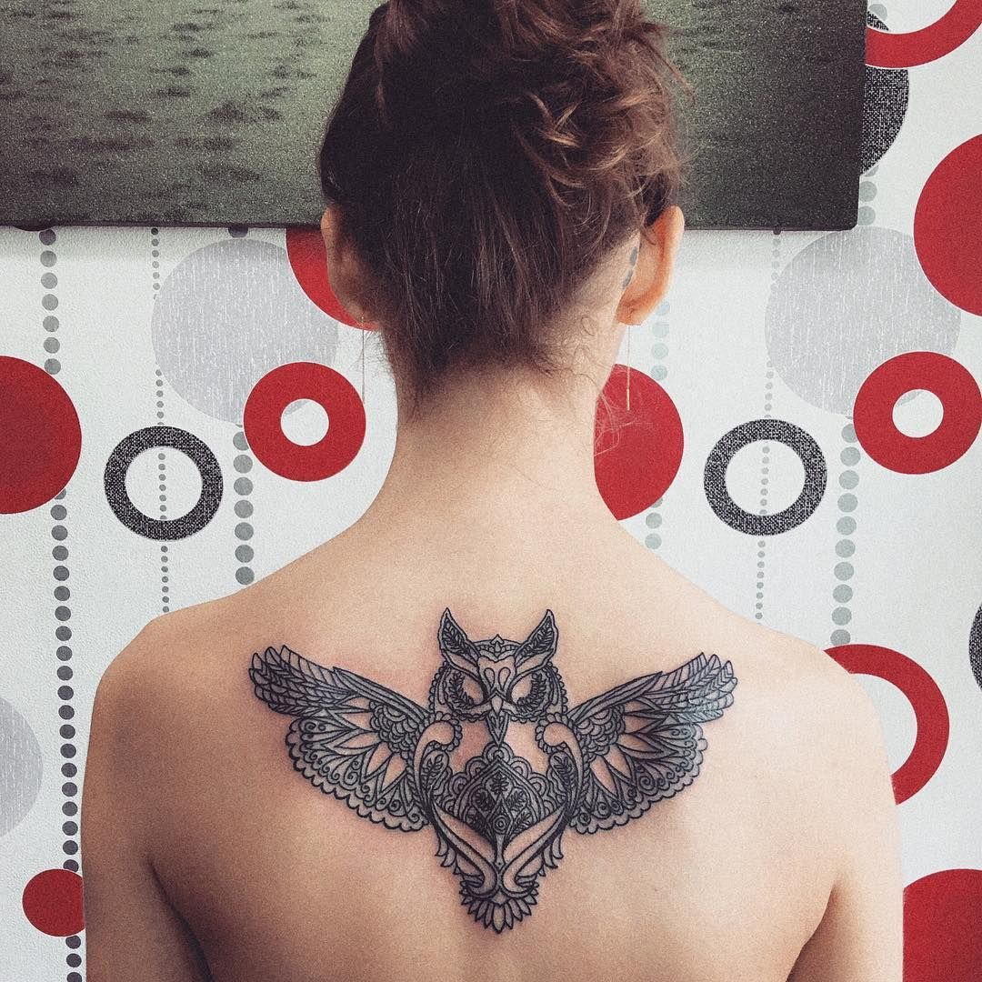 Buho Volando Con Imagenes Tatuajes Femeninos Para La Espalda