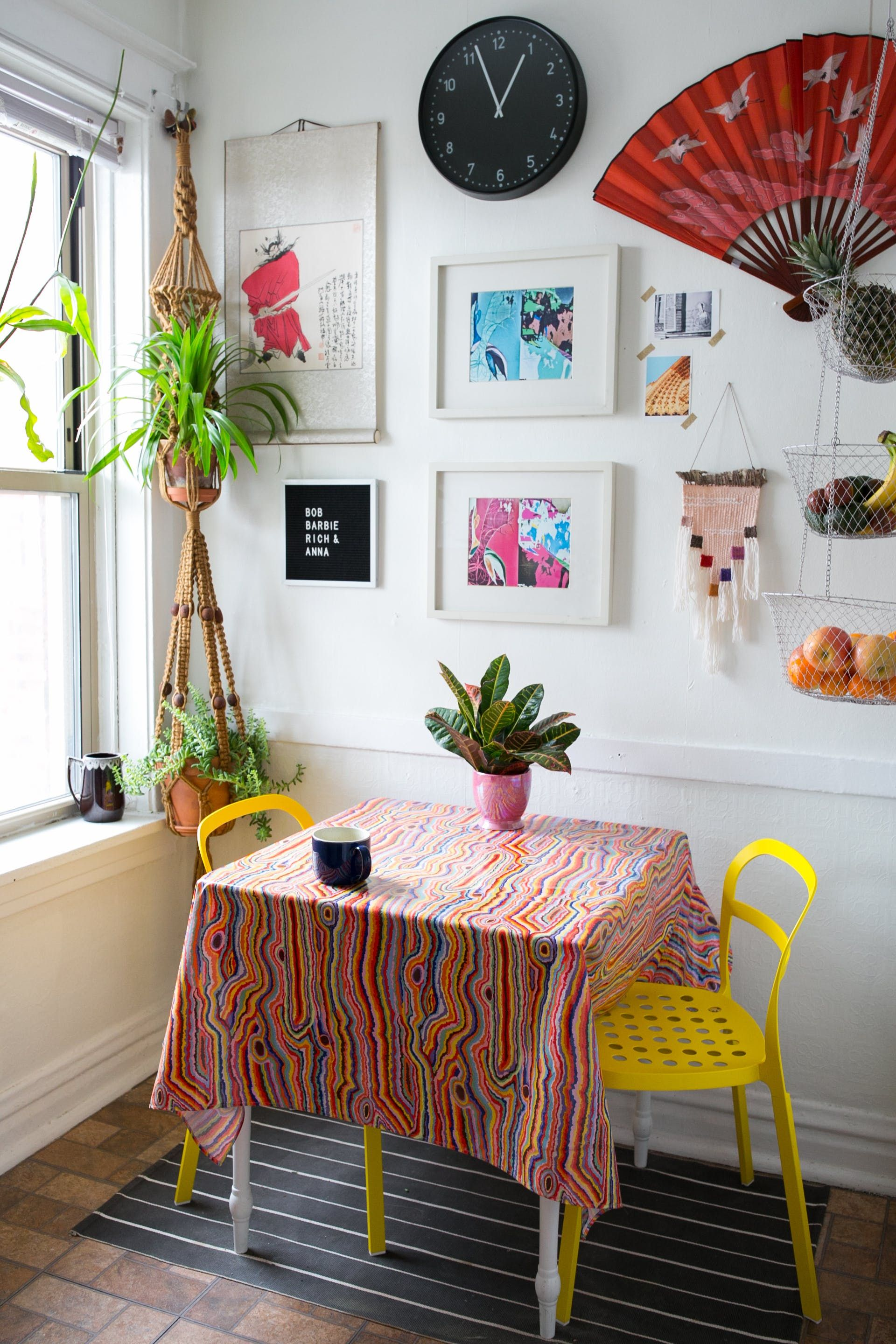 A Modern Maximalist Neon Garden In Chicago Funky Home
