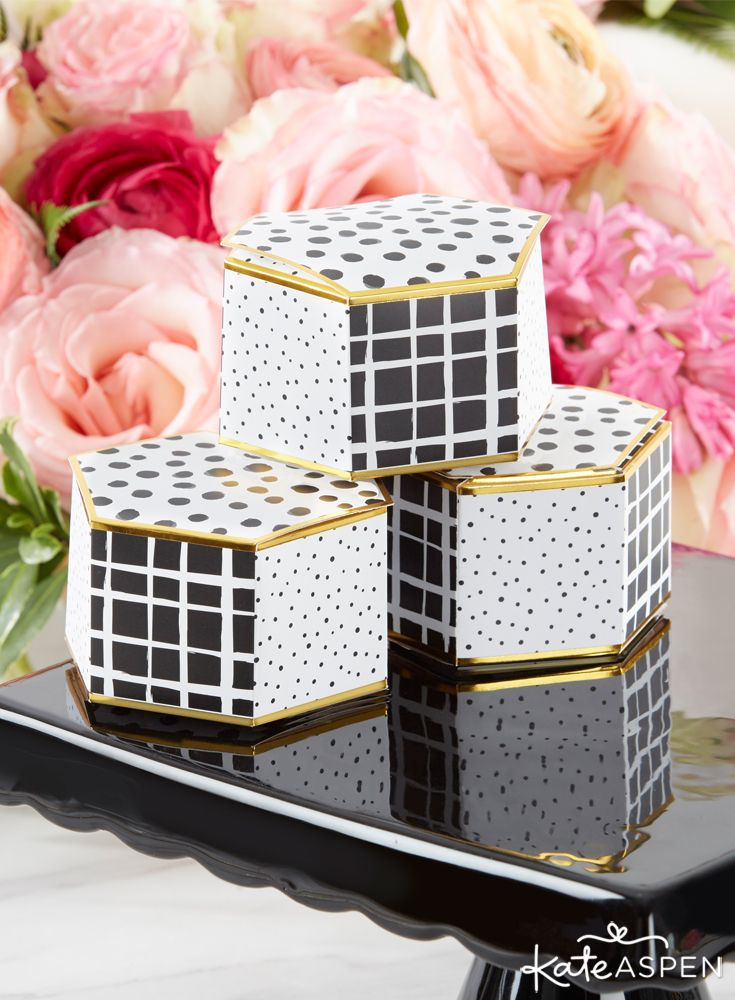 containing bridal shower favors wedding favors or even birthday favors the 3d constructed