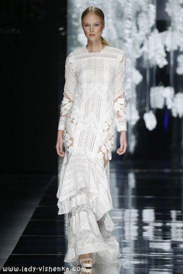 Geschlossene brautkleider 2016 YolanCris  Alle Fotos in dem Artikel über Brautkleider http://de.lady-vishenka.com/bridal-dress-2016-yolancris/