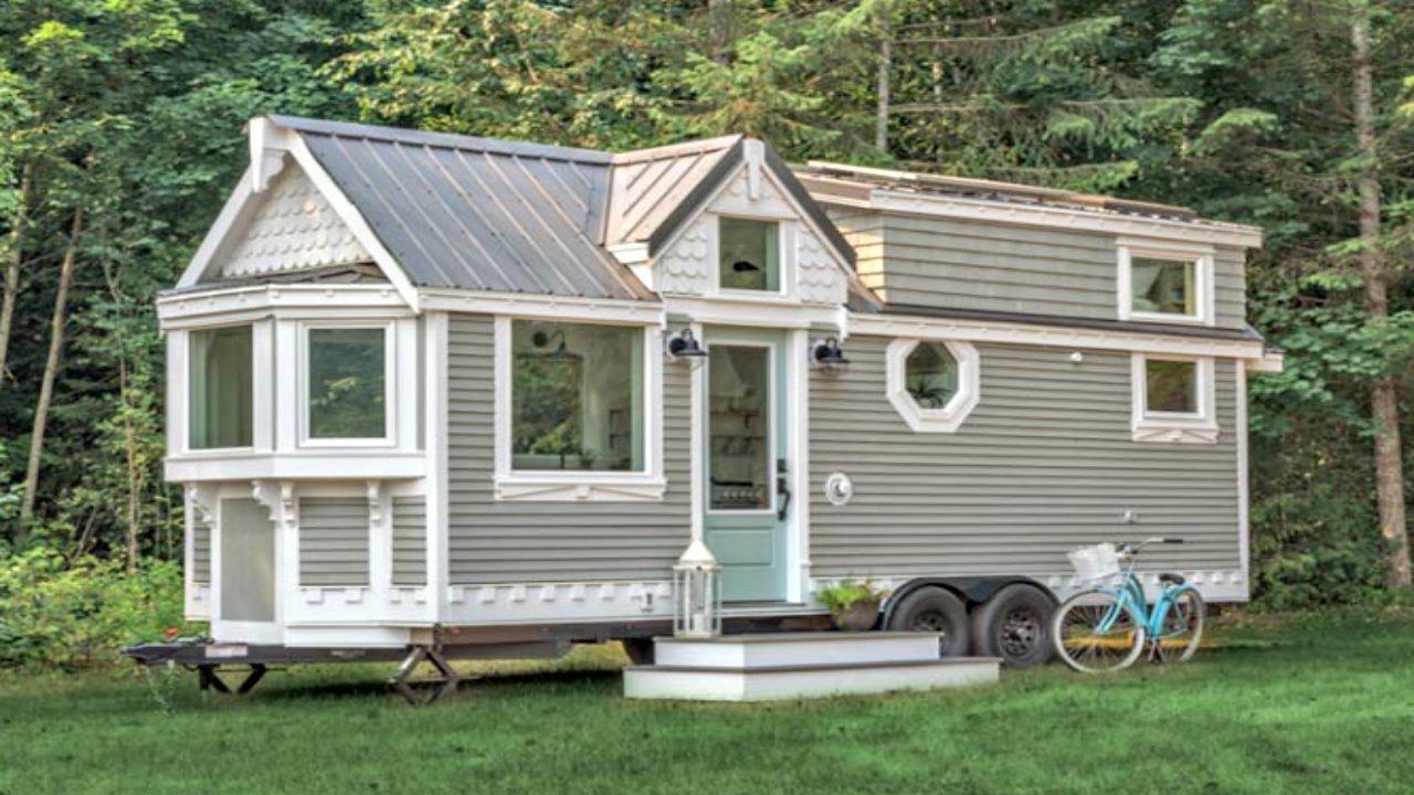 Stunning Chic Victorian Style Tiny House With White Soft Colors Palett Tiny House Exterior Tiny House Listings House On Wheels