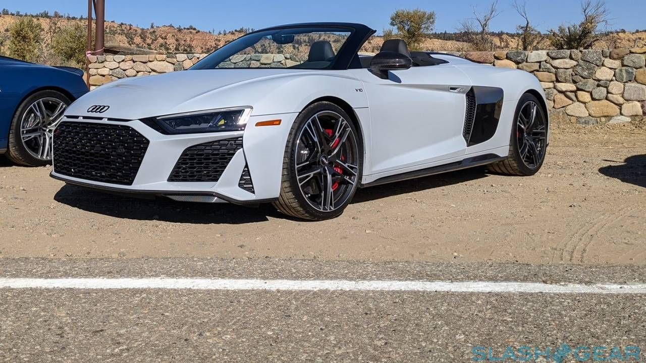 Kelebihan R8 V10 Spyder Review