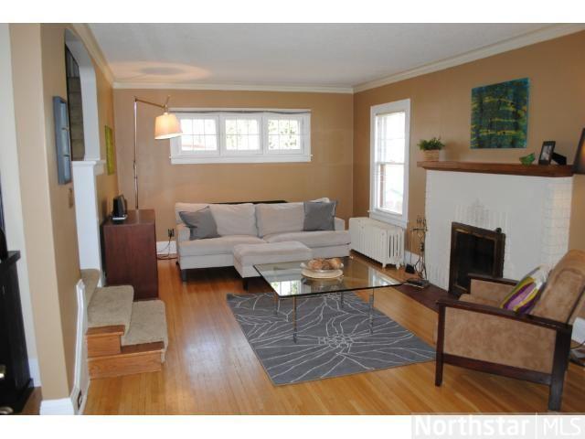Rectangular Living Room Set Up Ideas
