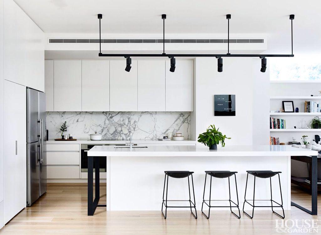White Kitchen Flat Pinterest Kitchens, Interiors and House