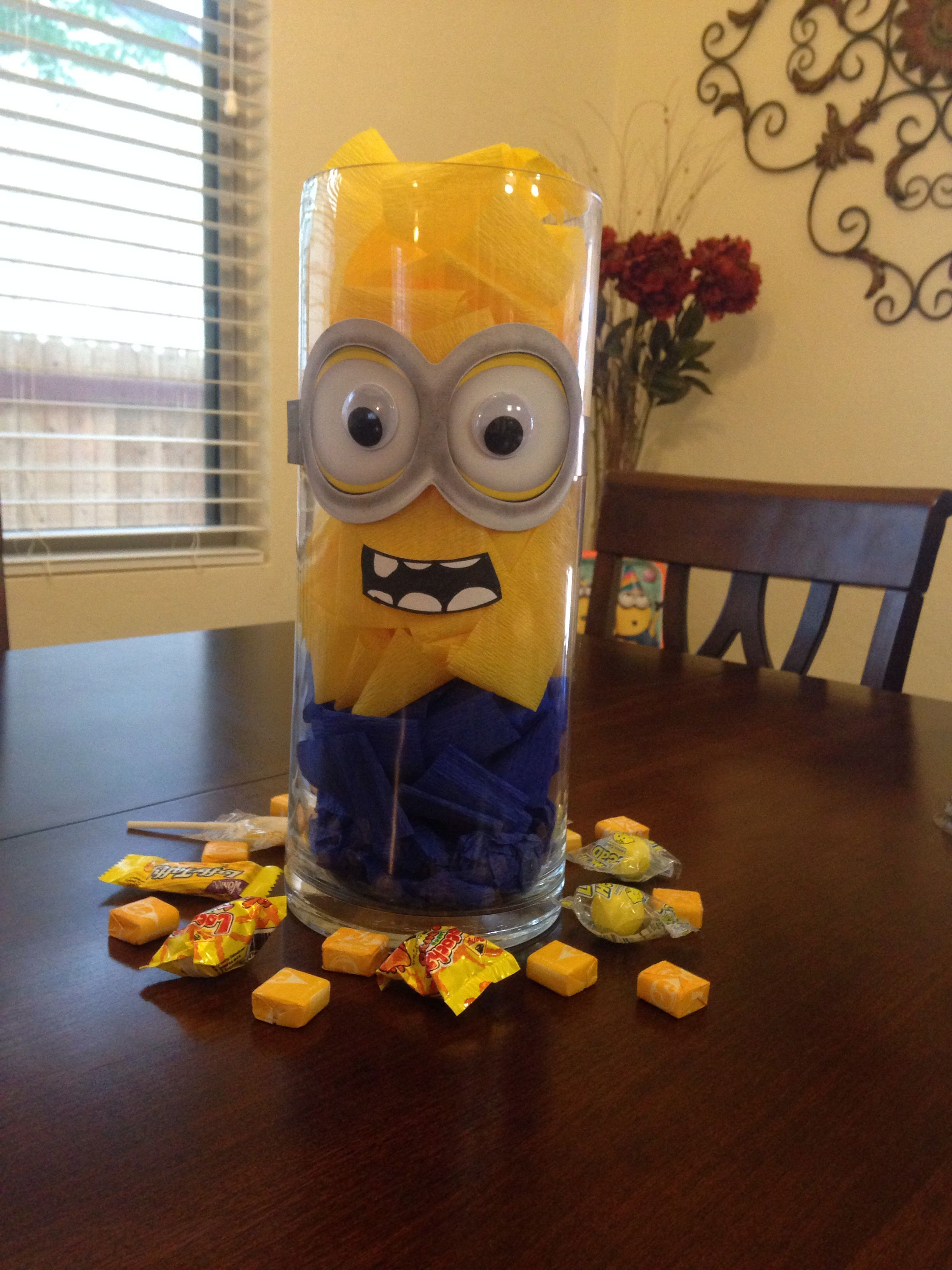 minion centerpiece found goggles at party city. Black Bedroom Furniture Sets. Home Design Ideas