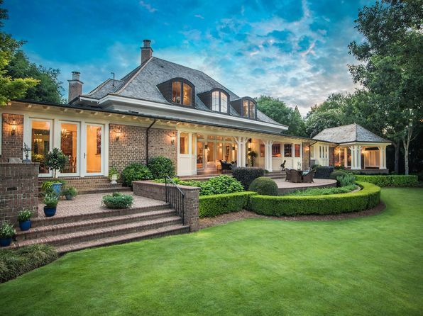 Astounding Zillow Has 50 Homes For Sale In Wilmington Nc View Listing Home Interior And Landscaping Analalmasignezvosmurscom