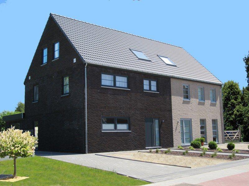 Half open bebouwing modern google zoeken idee n voor huis pinterest modern and search - Plan indoor moderne woning ...