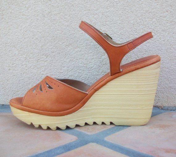 1ce866e5383 1980 wedge shoes