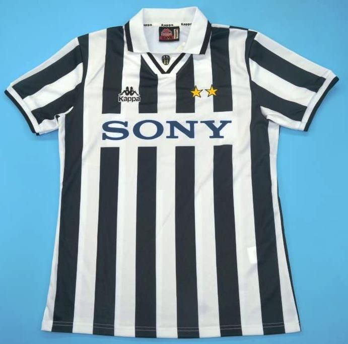 factory authentic exquisite design timeless design Maillot foot retro Juventus Turin 1996-1997 | Soccer jerseys ...