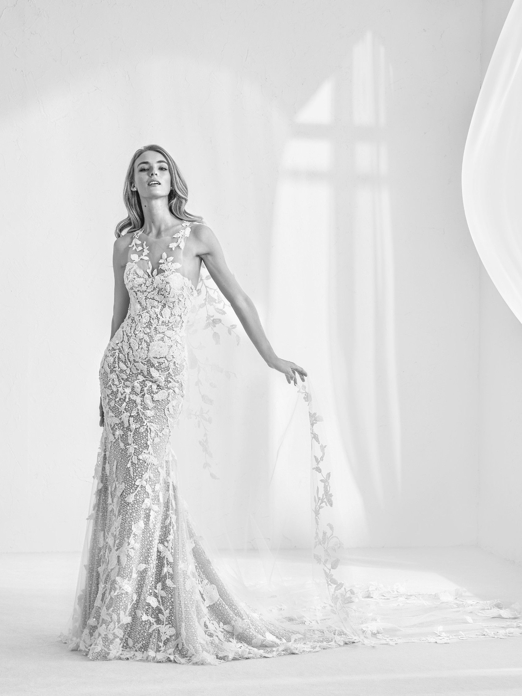 Ramses: Wedding dress with tulle cape and gemstones. Creating an ...
