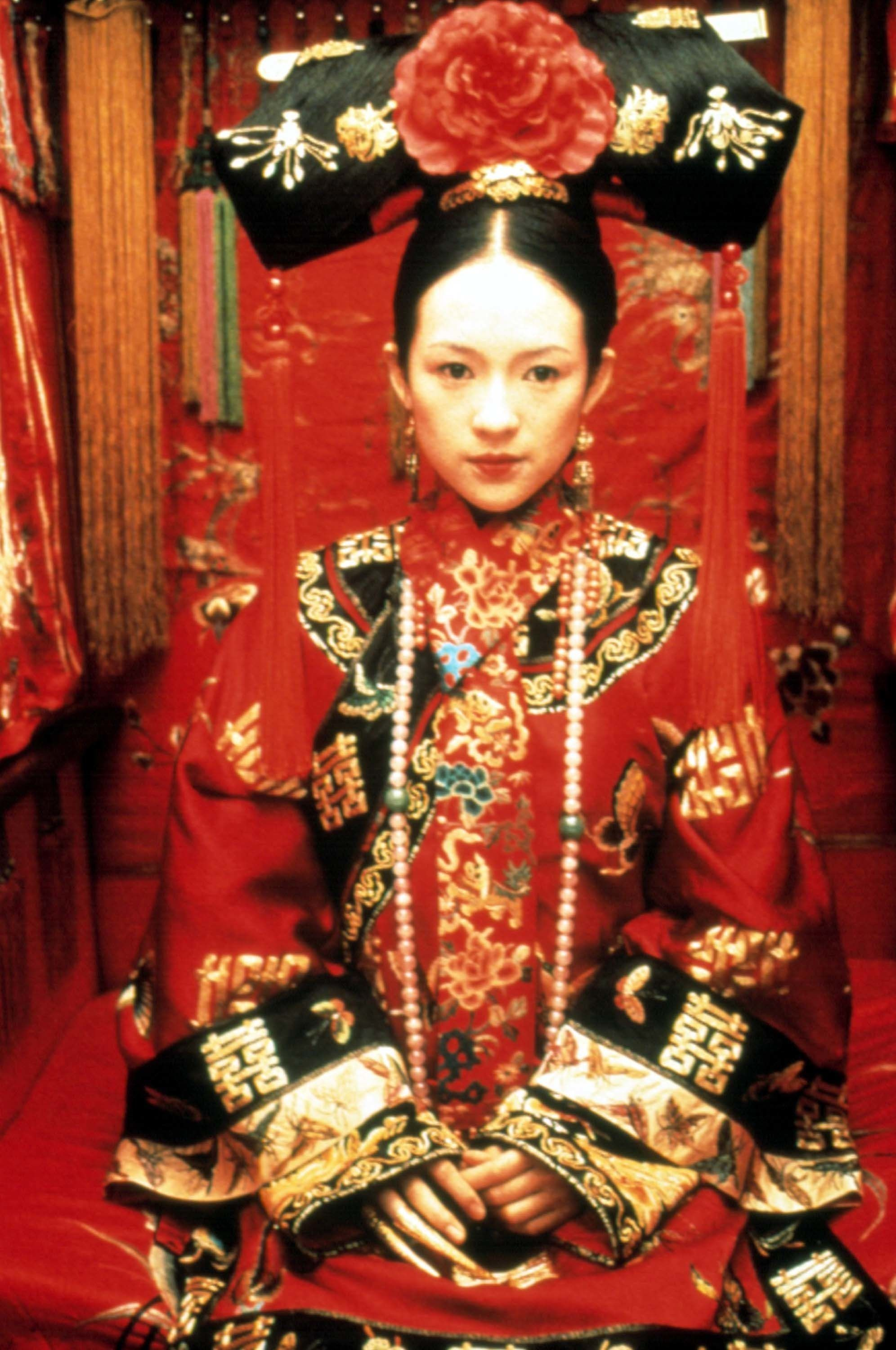 The 26 Best Wedding Hairstyles From Our Favorite Movies Traditional Outfits Chinese Clothing Zhang Ziyi