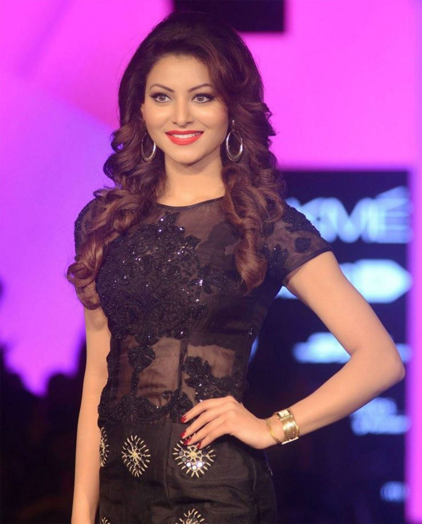 Hd wallpaper urvashi - 50 Best Urvashi Rautela Hd Wallpapers And Photos