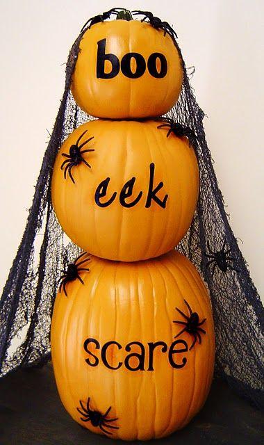 Pumpkins on top of each othersuper cute! Halloween Pinterest - how to make pumpkin decorations for halloween