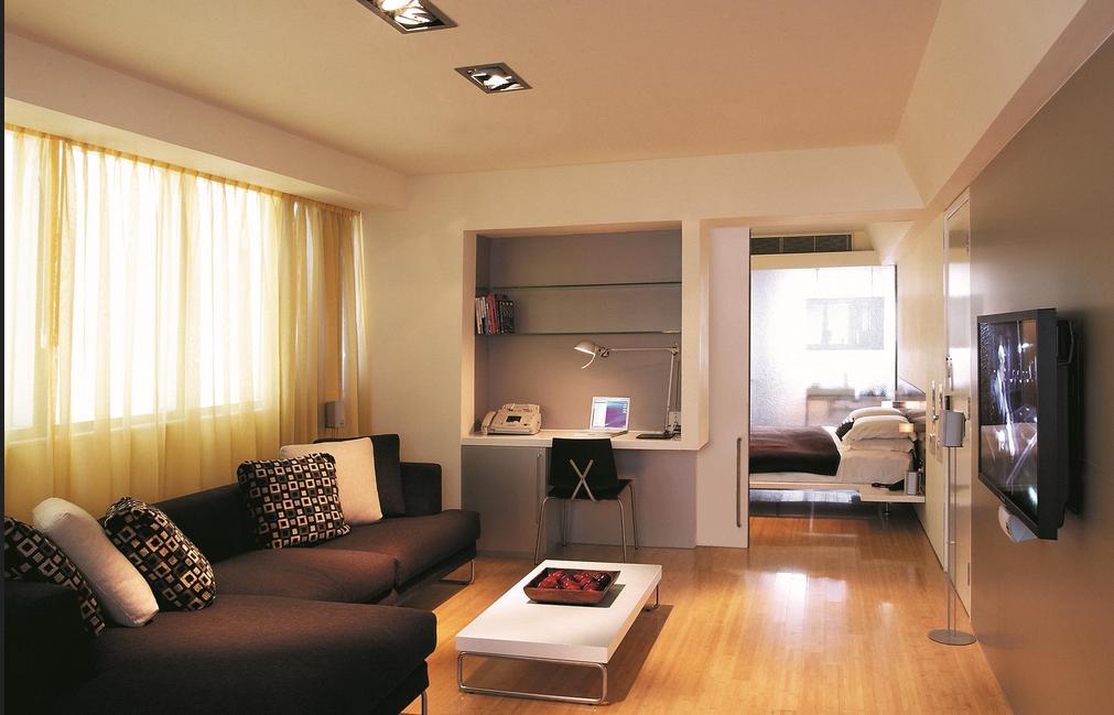 Großes wohnzimmer einrichten Geräumiges Zimmer mit der Fensterbreite ...
