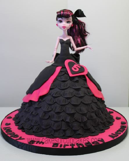 Cool High Monster Draculaura Cake With Images Monster High Cakes Funny Birthday Cards Online Hendilapandamsfinfo