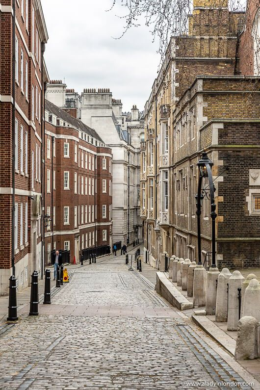 A historic street in Temple, London. This underrated area is worth discovering. Click through for more pictures on the A Lady in London blog.   #temple #london #street