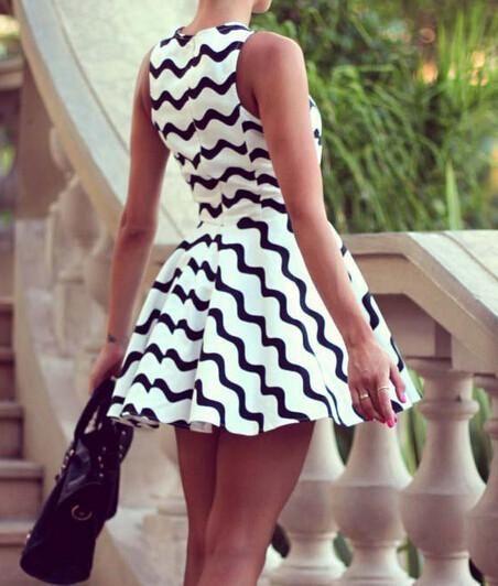 Fashion Sleeveless Round Neck Dress