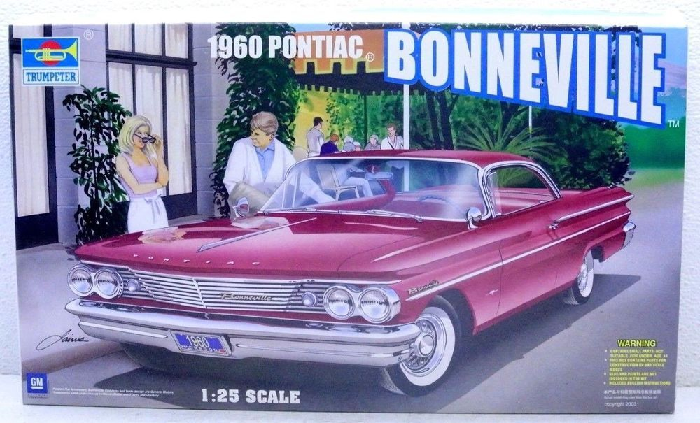 1960 Pontiac Bonneville Hard Top Trumpeter 1/25 Model Car Kit 02502