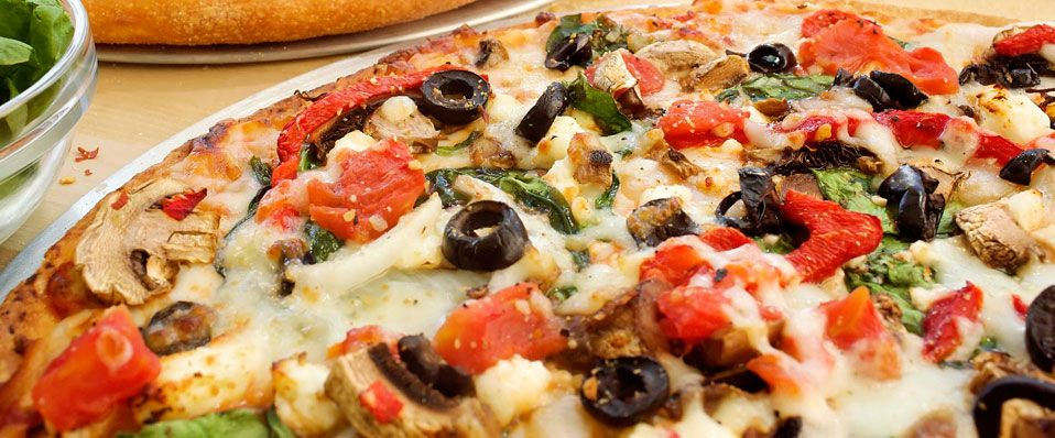 It's time for a delicious veggy pizza!
