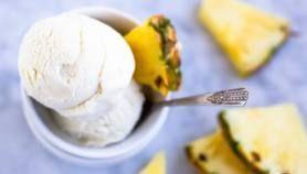 2 Ingredient Peach Ice Cream (dairy free) – Savory Lotus #easyhomemadeicecream 2 Ingredient Peach Ice Cream (dairy free) - Savory Lotus - #Cream #Dairy #Free #Ice #Ingredient #Lotus #peach #Savory #easyhomemadeicecream