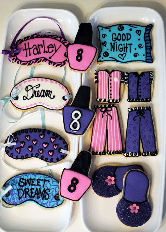 Sleep over cookie favors! I will NOT be using black icing