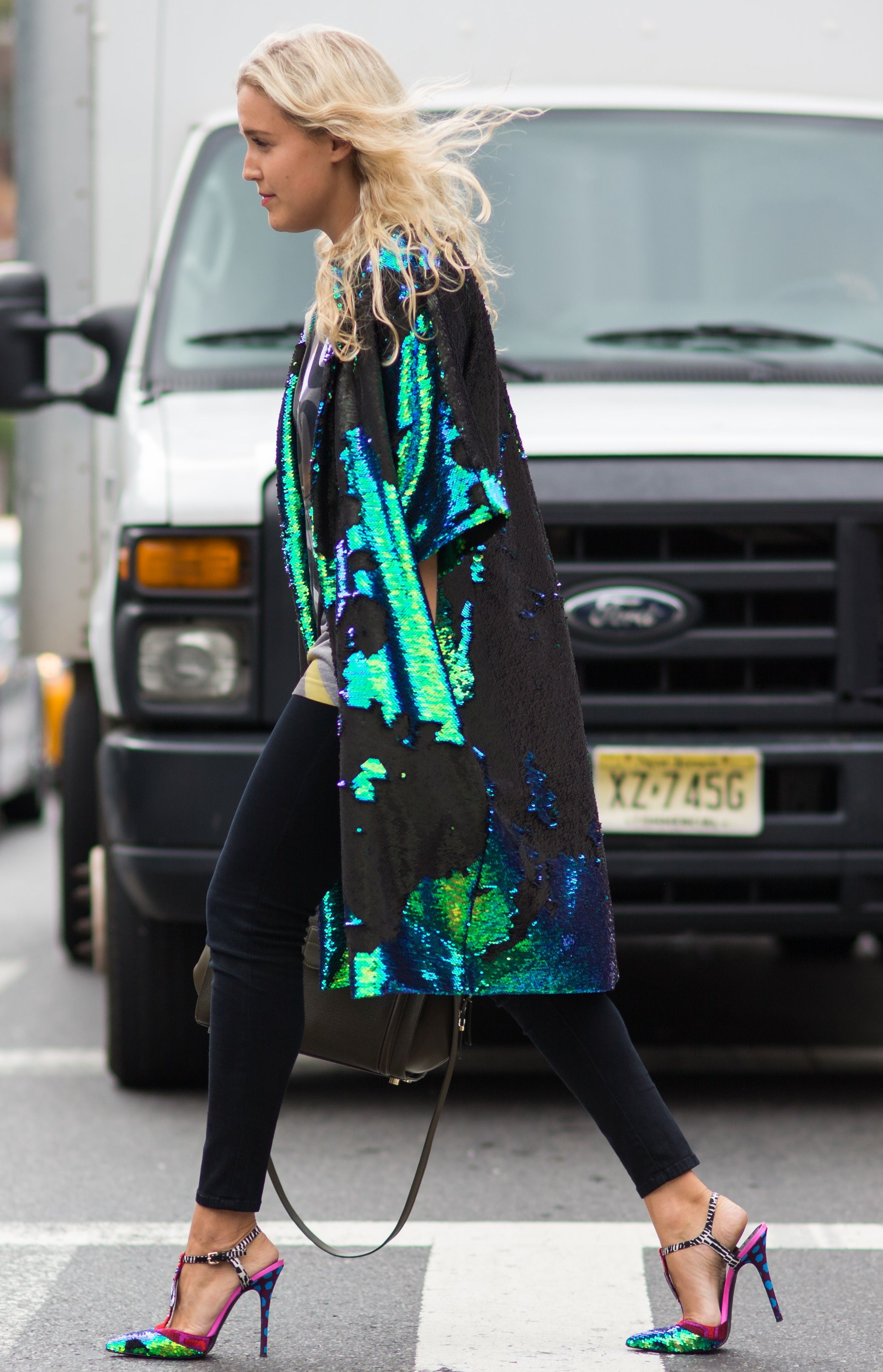 Blue-green sequin coat/jeans/heels/street style