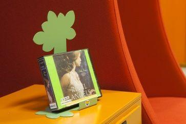 pr sentoir pr sentoirs de livres brochures pinterest presentoir affichage et vert. Black Bedroom Furniture Sets. Home Design Ideas