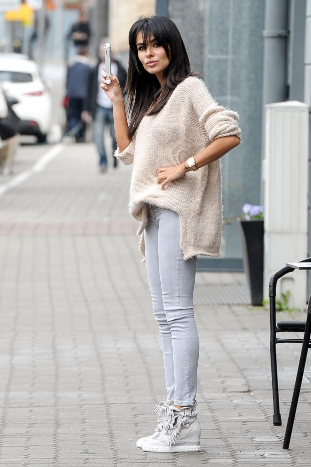 Street Style Spring Outfit Casadei Sneakers Natalia Siwiec Fashion Street Style Outfits