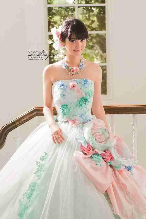 1a65dad095562 芸能人プロデュースのウェディングドレスの画像を貼るトピ