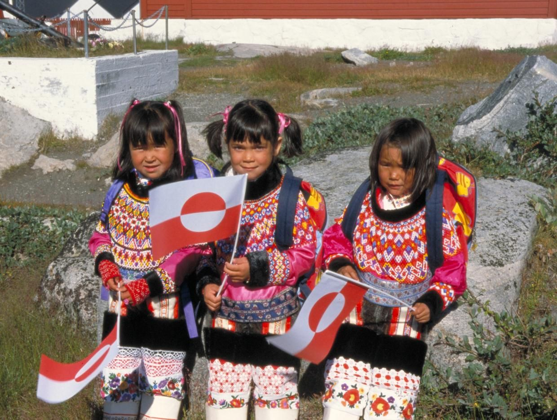 Первый день в школе отмечается каждым в Гренландии