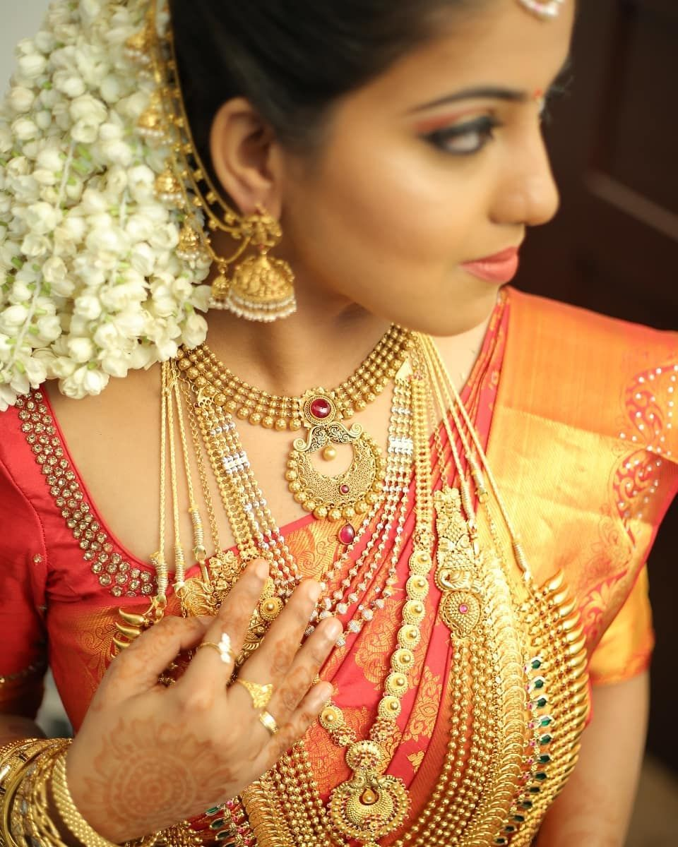 Image May Contain 1 Person Closeup Indian Wedding Bride Bridal Ornaments Bridal Hairstyle Indian Wedding