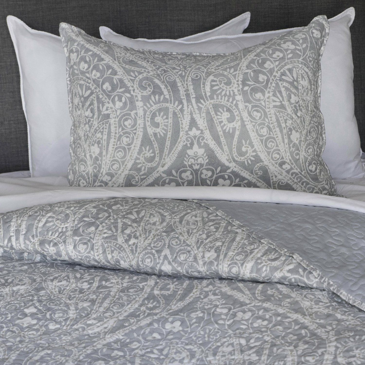 Zavaro Home Printed Paisley Lightweight Soft Microfibre Reversible Quilt Bedspread Coverlet Bed Cover Bedding Coverlet Bedding Quilted Bedspreads Quilt Bedding