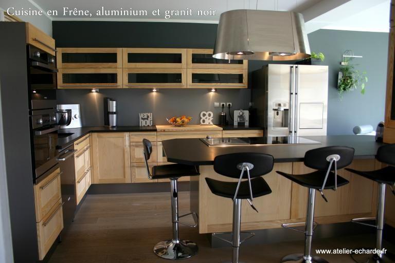 cuisine noir et or | Kitchen | Cuisine bois, Cuisine noire et ...