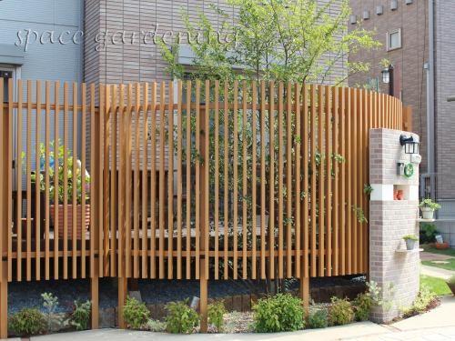 庭 外構施工例 詳細 庭 フェンス 柵 庭 目隠し 庭