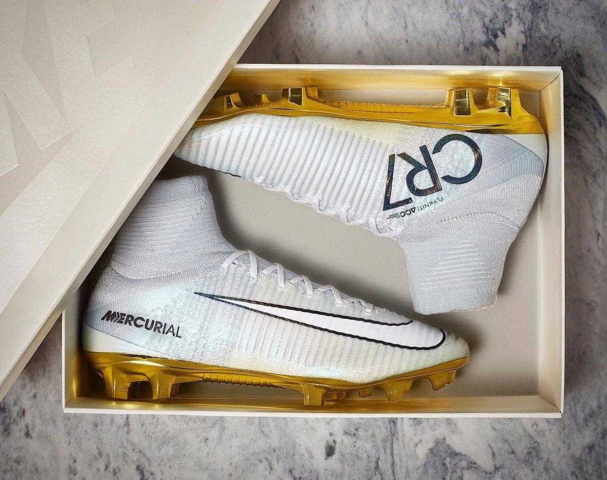 Die Nike Mercurial Superfly Cristiano Ronaldo Ballon d'Or Fußballschuhe  wurden zu früh eingeführt -