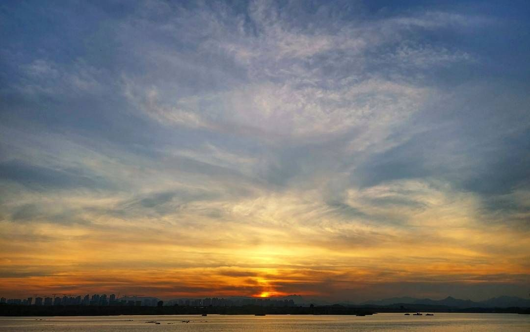 #korea #seoul #hanriver #deokso #sunset #today #flaming #redsky #sky #clouds #cloudscape #city #beautiful #scenery #landscape #한국 #서울 #한강 #덕소 #일몰 #석양 #노을 #붉은하늘 #구름 #아름다운도시 #풍경 by asteria_m