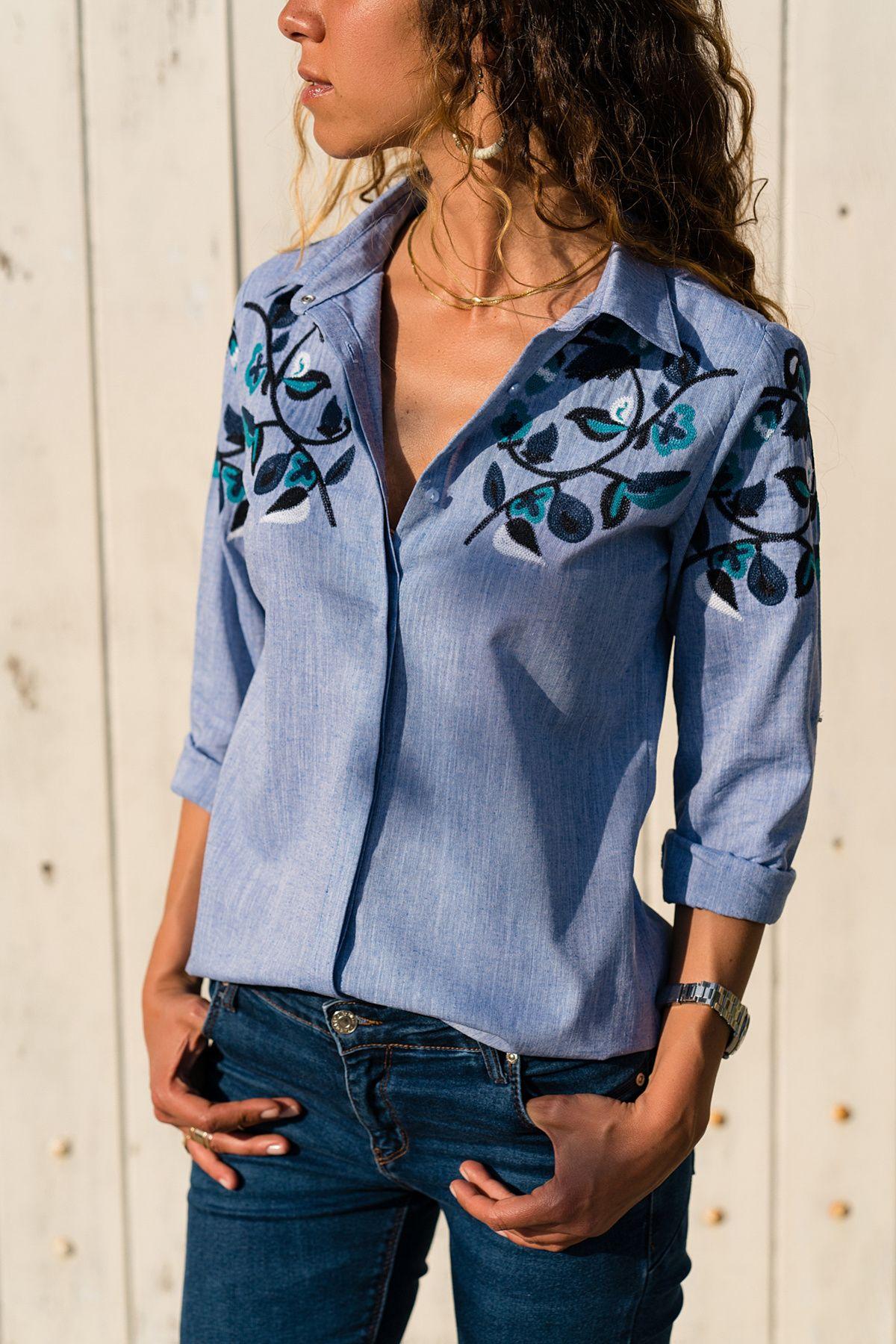 82cf4a33631b4 Kadın Mavi Nakışlı Gömlek Trend: Alaçatı Stili | Trendyol | Dikiş ...