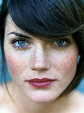 Hair Color And Eye Color For Main Female In Story Fair Skin Makeup Freckles Brunette Makeup