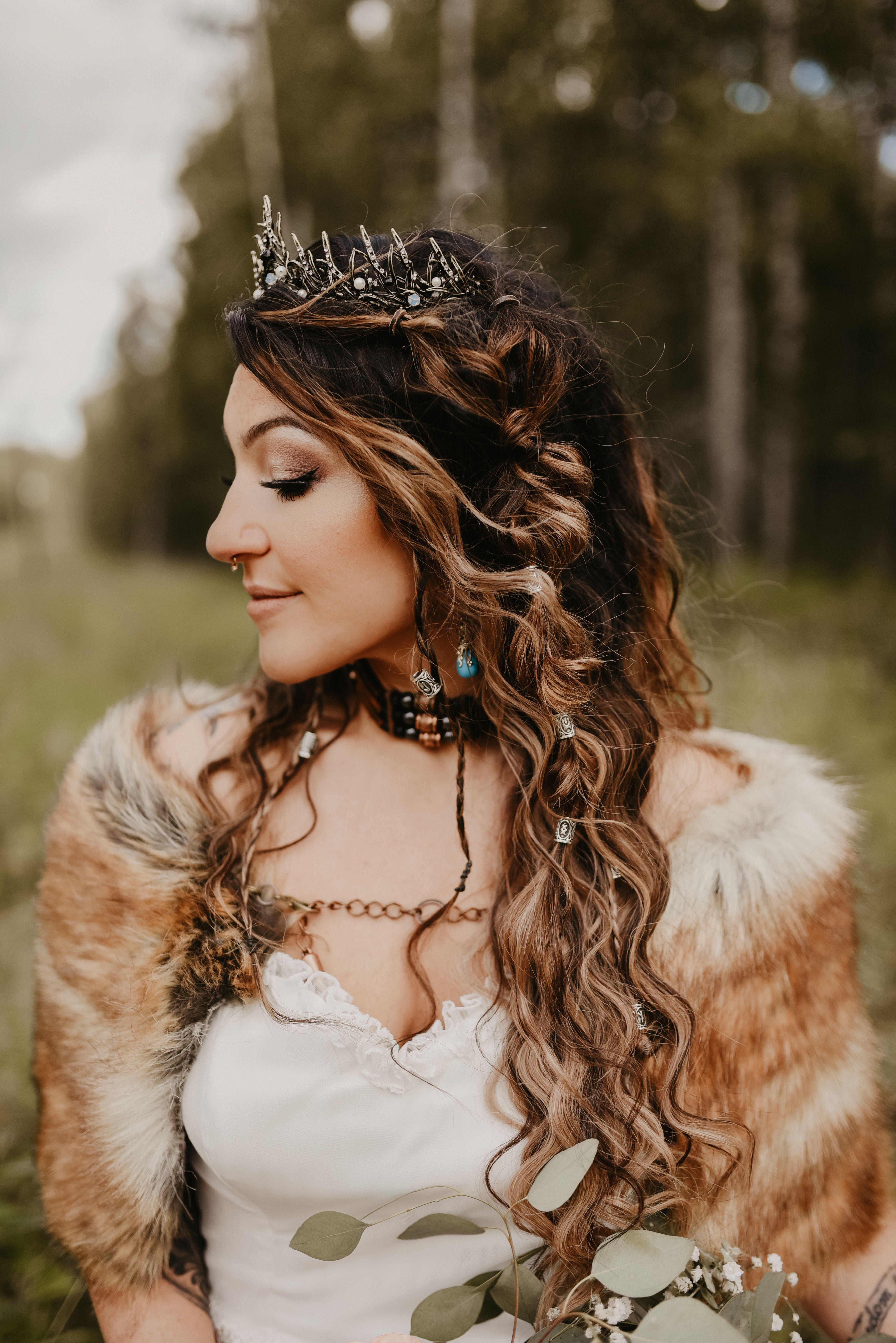 Viking Wedding Hairstyles in 2020 Nordic wedding, Viking